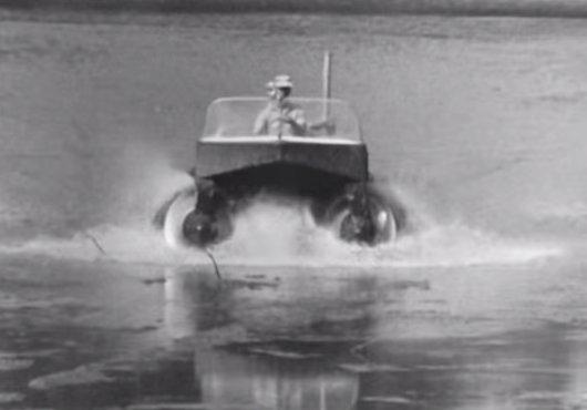 Curioso vehículo anfibio